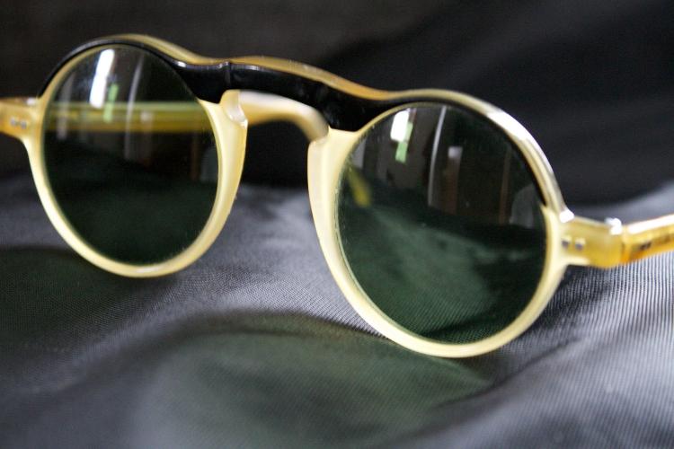 http://www.ragusanews.com//immagini_articoli/30-01-2016/occhiali-cult-a-vittoria-500.jpg