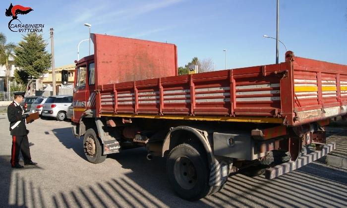 http://www.ragusanews.com//immagini_articoli/30-01-2017/furti-recuperati-camion-trattore-anche-cavallo-420.jpg