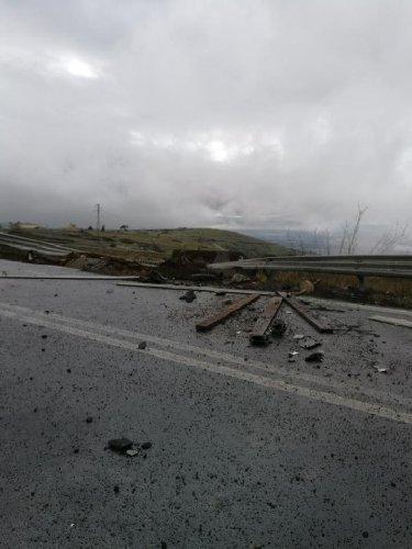 https://www.ragusanews.com//immagini_articoli/30-01-2019/1548865863-grave-incidente-ragusa-catania-mezzi-coinvolti-2-500.jpg