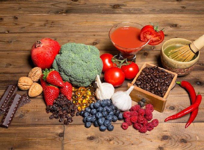https://www.ragusanews.com//immagini_articoli/30-01-2020/la-dieta-smartfood-i-cibi-che-mimano-il-digiuno-e-allungano-la-vita-500.jpg