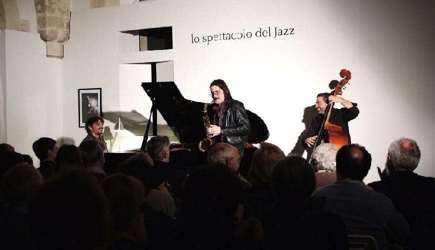 http://www.ragusanews.com//immagini_articoli/30-03-2014/scicli-e-jazz-500.jpg