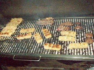 https://www.ragusanews.com//immagini_articoli/30-03-2018/1522412722-vero-street-food-carne-cavallo-catania-1-240.jpg