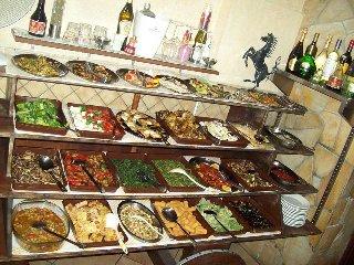 https://www.ragusanews.com//immagini_articoli/30-03-2018/1522412722-vero-street-food-carne-cavallo-catania-2-240.jpg