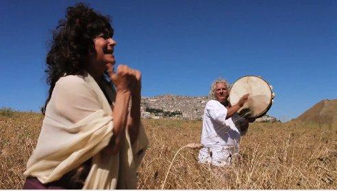 https://www.ragusanews.com//immagini_articoli/30-03-2021/pasquale-scimeca-presenta-il-film-l-isola-in-cantata-280.jpg
