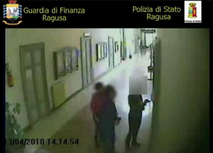 http://www.ragusanews.com//immagini_articoli/30-04-2014/assenteismo-a-modica-90-rinviati-a-giudizio-500.jpg