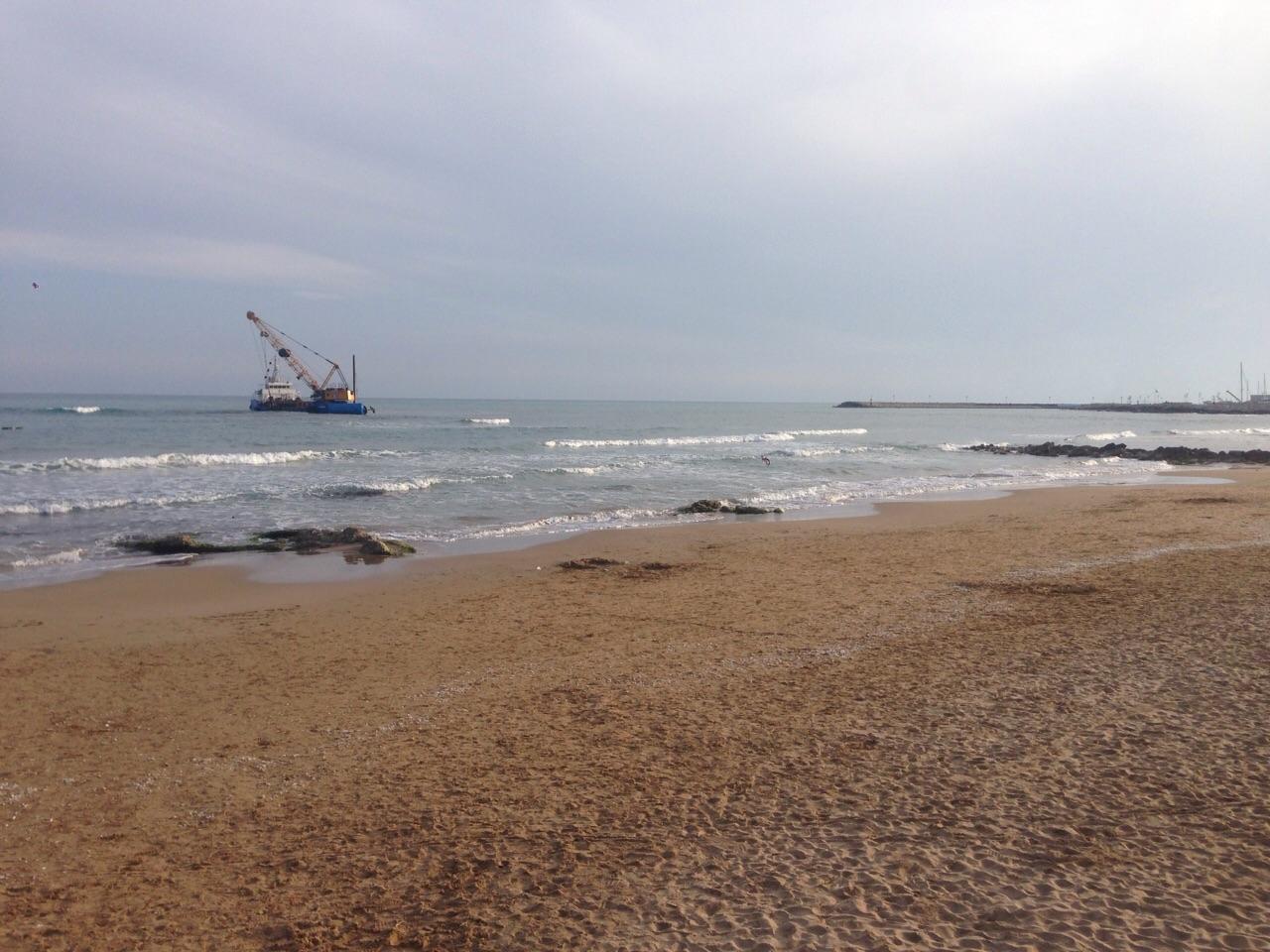 https://www.ragusanews.com//immagini_articoli/30-04-2015/1430426881-1-marina-di-ragusa-o-mare-nero-mare-nero-mare-ne.jpg