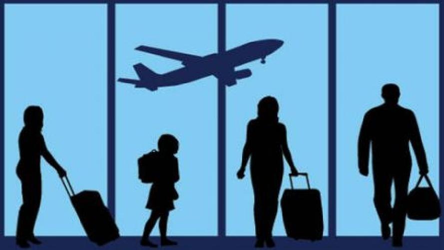 http://www.ragusanews.com//immagini_articoli/30-04-2015/aeroporto-di-comiso-tagli-per-5-milioni-di-euro-500.jpg