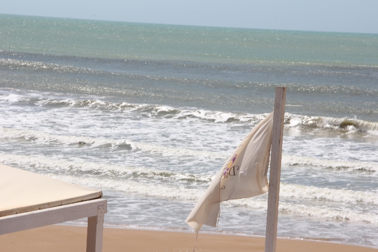 http://www.ragusanews.com//immagini_articoli/30-04-2015/marina-di-ragusa-o-mare-nero-mare-nero-mare-ne-500.jpg