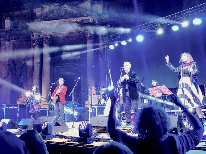 https://www.ragusanews.com//immagini_articoli/30-04-2019/ha-debuttato-la-sicily-folk-orchestra-500.jpg