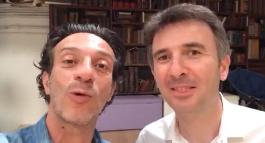 https://www.ragusanews.com//immagini_articoli/30-05-2014/ficarra-e-picone-a-rosolini-il-film-si-intitola-andiamo-a-quel-paese-500.jpg
