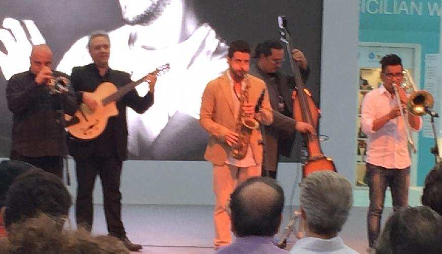 http://www.ragusanews.com//immagini_articoli/30-05-2015/cafiso-porta-il-vittoria-jazz-fest-all-expo-500.jpg