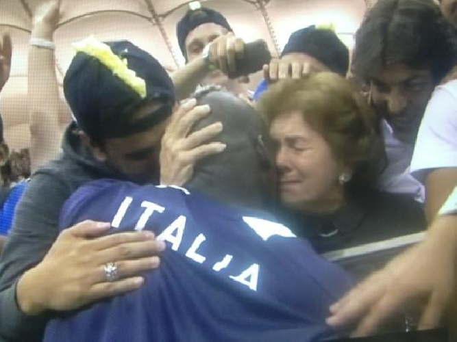 https://www.ragusanews.com//immagini_articoli/30-06-2012/italia-spagna-football-e-lacrime-500.jpg