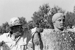 http://www.ragusanews.com//immagini_articoli/30-06-2015/di-vita-l-archeologo-col-mal-d-africa-che-scopri-kamarina-100.jpg