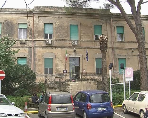 http://www.ragusanews.com//immagini_articoli/30-06-2017/ospedale-maria-patern-arezzo-caos-500.jpg