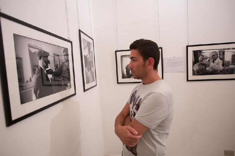 https://www.ragusanews.com//immagini_articoli/30-07-2013/barbieri-di-sicilia-lomaggio-di-rotoletti-a-scicli-500.jpg