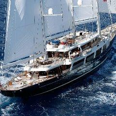 https://www.ragusanews.com//immagini_articoli/30-07-2018/1532975743-approda-selinunge-mega-yacht-magnate-barry-diller-1-240.jpg