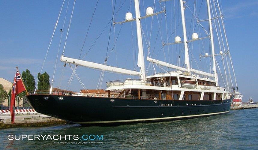 https://www.ragusanews.com//immagini_articoli/30-07-2018/1532975743-approda-selinunge-mega-yacht-magnate-barry-diller-2-500.jpg
