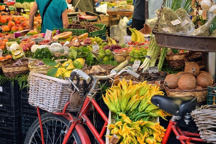 https://www.ragusanews.com//immagini_articoli/30-07-2021/dimagrire-d-estate-senza-diete-drastiche-500.jpg