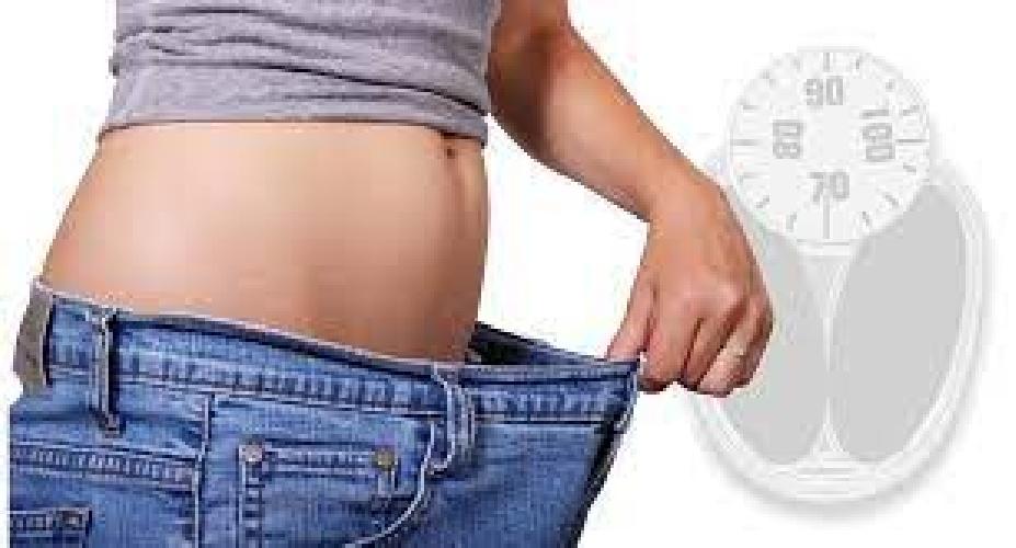 https://www.ragusanews.com//immagini_articoli/30-07-2021/la-dieta-low-carb-il-menu-per-mantenere-i-chili-persi-e-un-peso-stabile-500.jpg