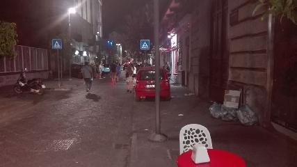 http://www.ragusanews.com//immagini_articoli/30-08-2017/cane-taglia-loro-strada-incidente-moto-ragazzi-240.jpg