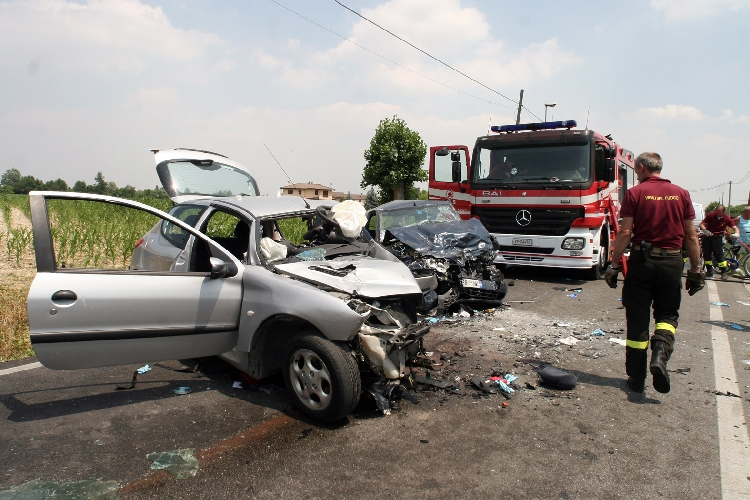 https://www.ragusanews.com//immagini_articoli/30-08-2017/incidente-ragusamare-feriti-500.jpg