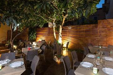 http://www.ragusanews.com//immagini_articoli/30-08-2017/ristorante-cerca-personale-240.jpg