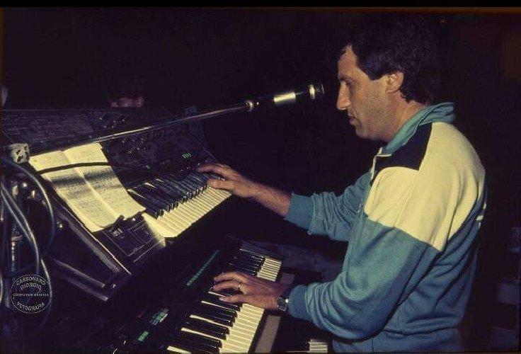 https://www.ragusanews.com//immagini_articoli/30-08-2019/vittoria-e-morto-il-musicista-franco-napolitano-500.jpg
