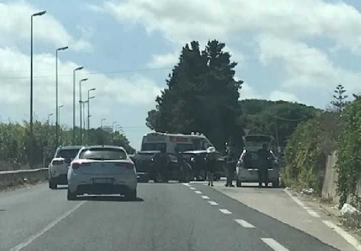https://www.ragusanews.com//immagini_articoli/30-08-2020/incidente-sulla-provinciale-noto-pachino-4-auto-coinvolte-500.jpg