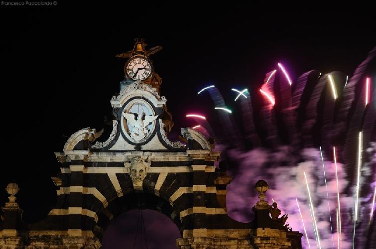 https://www.ragusanews.com//immagini_articoli/30-08-2021/mega-party-notturno-in-centro-l-aspirante-sposo-non-bada-a-spese-e-multe-500.jpg