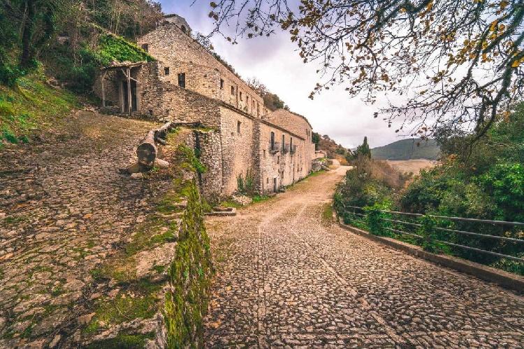 https://www.ragusanews.com//immagini_articoli/30-08-2021/un-cammino-di-santiago-in-sicilia-500.jpg