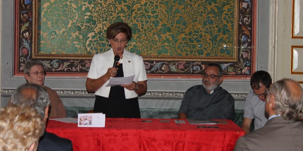 https://www.ragusanews.com//immagini_articoli/30-09-2015/vincenziane-cento-anni-portati-bene-500.jpg