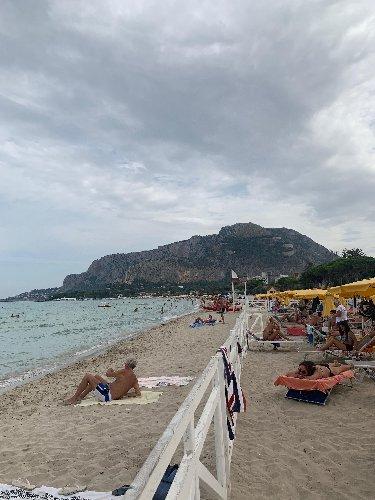 https://www.ragusanews.com//immagini_articoli/30-09-2019/l-estate-forse-e-finita-da-giovedi-piove-anche-in-sicilia-500.jpg