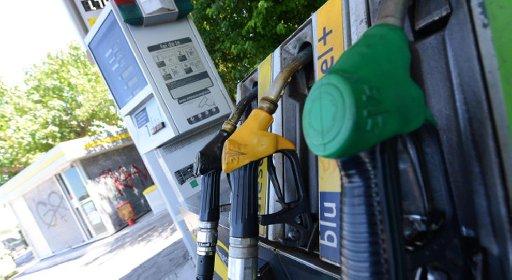 https://www.ragusanews.com//immagini_articoli/30-09-2020/crisi-covid-nei-primi-6-mesi-anno-benzina-31-2-gasolio-25-3-280.jpg