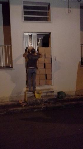http://www.ragusanews.com//immagini_articoli/30-10-2014/i-forconi-murano-la-casa-dello-sfratto-a-comiso-500.jpg