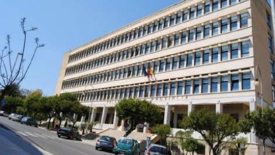 https://www.ragusanews.com//immagini_articoli/30-10-2015/si-vota-per-la-ex-provincia-di-ragusa-500.jpg