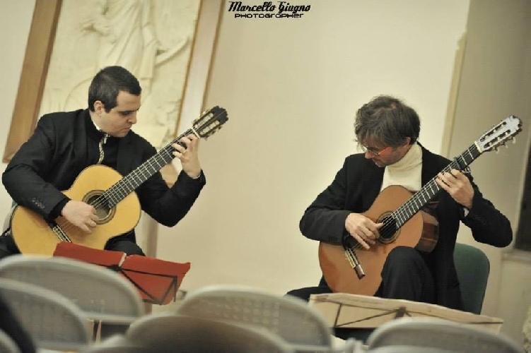 http://www.ragusanews.com//immagini_articoli/30-10-2017/ragusa-melodica-appuntamento-roberto-salerno-marcello-cappellani-500.jpg