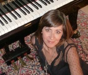 http://www.ragusanews.com//immagini_articoli/30-11-2012/riconoscimento-a-los-angeles-per-la-pianista-giuseppina-torre-240.jpg