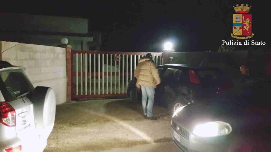http://www.ragusanews.com//immagini_articoli/30-11-2015/scoperta-una-casa-di-prostituzione-a-pozzallo-500.jpg
