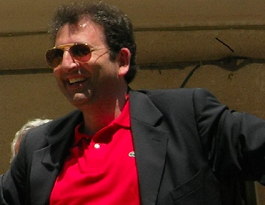 http://www.ragusanews.com//immagini_articoli/30-11-2016/il-preside-enzo-giannone-e-stato-proclamato-sindaco-di-scicli-420.jpg