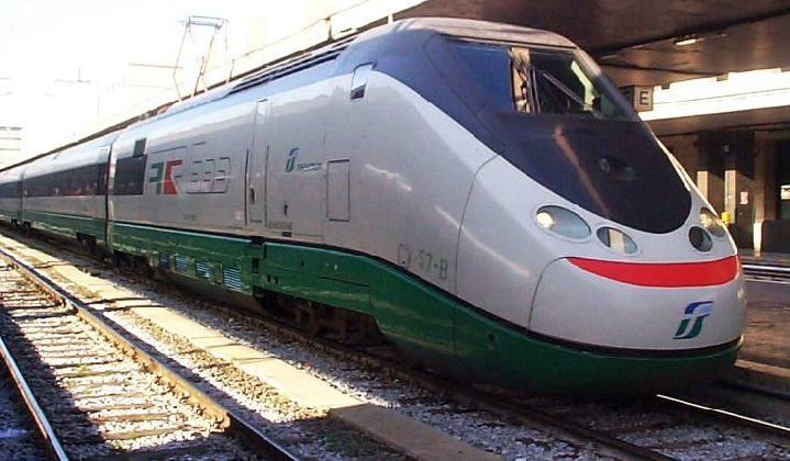 https://www.ragusanews.com//immagini_articoli/30-11-2016/treni-quasi-in-ritardo-420.jpg