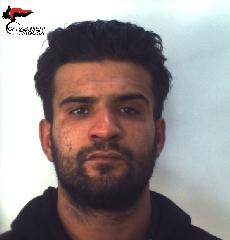 https://www.ragusanews.com//immagini_articoli/30-11-2017/spaccio-santa-croce-arrestato-libico-240.jpg