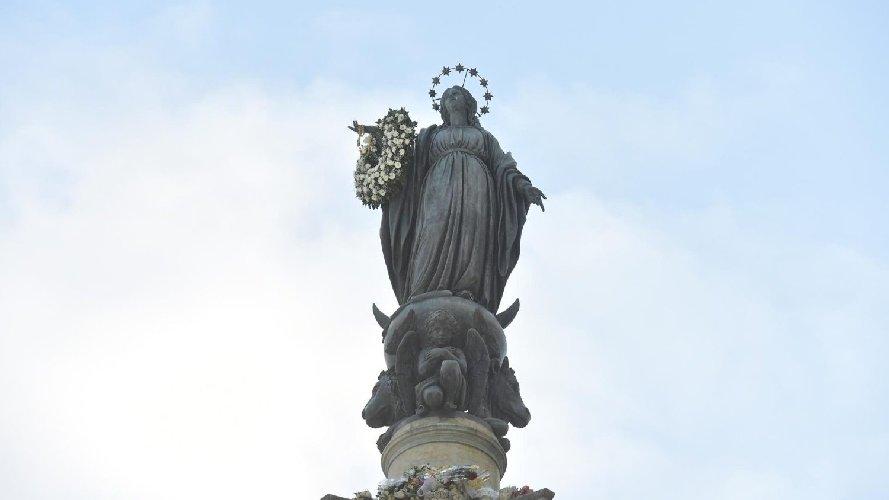 https://www.ragusanews.com//immagini_articoli/30-11-2020/papa-francesco-8-dicembre-non-sara-in-piazza-di-spagna-500.jpg