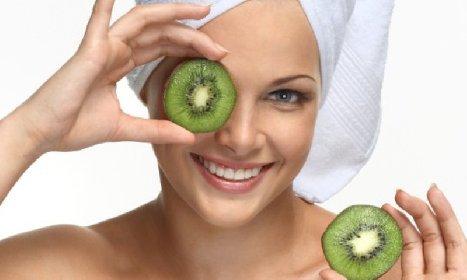 https://www.ragusanews.com//immagini_articoli/30-11-2020/quali-sono-i-benefici-del-kiwi-sulla-pelle-280.jpg
