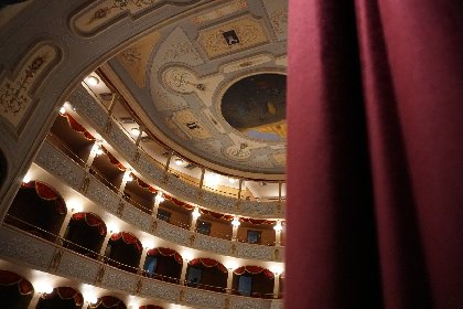 https://www.ragusanews.com//immagini_articoli/30-11-2020/rassegna-teatrale-online-della-fondazione-teatro-garibaldi-280.jpg