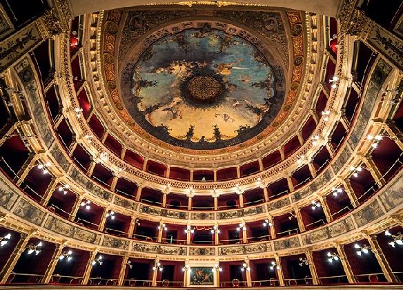 http://www.ragusanews.com//immagini_articoli/30-12-2016/ortigia-bentornato-teatro-420.jpg