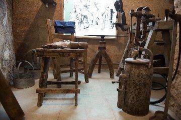 https://www.ragusanews.com//immagini_articoli/30-12-2019/1577724178-il-museo-lattoniere-a-chiaramonte-1-240.jpg
