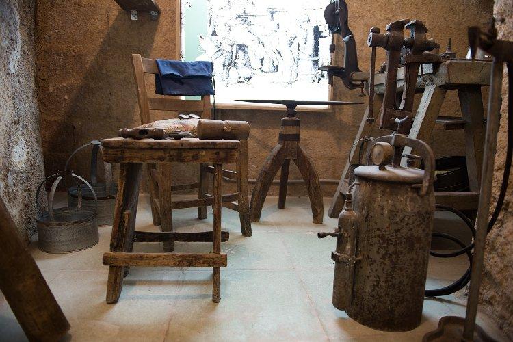 https://www.ragusanews.com//immagini_articoli/30-12-2019/1577724178-il-museo-lattoniere-a-chiaramonte-1-500.jpg