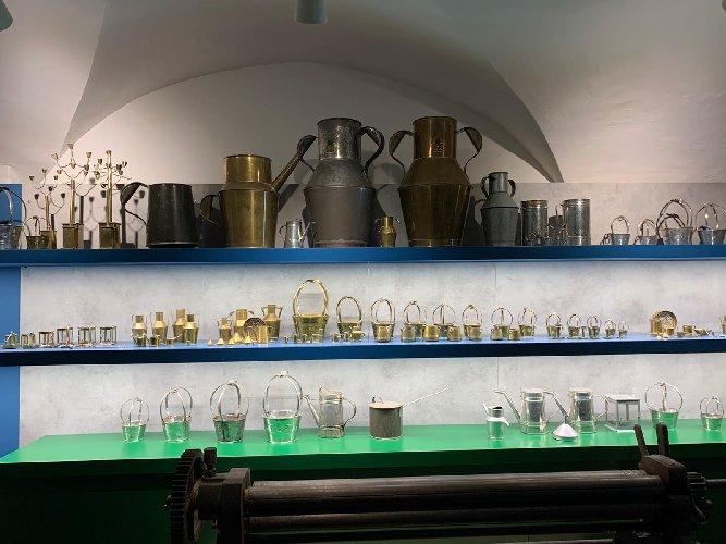 https://www.ragusanews.com//immagini_articoli/30-12-2019/1577724178-il-museo-lattoniere-a-chiaramonte-3-500.jpg