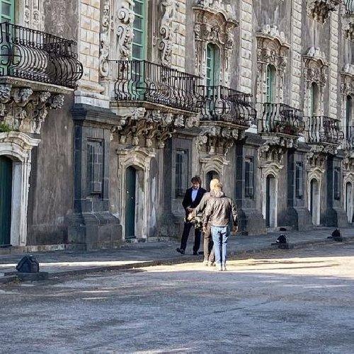 https://www.ragusanews.com//immagini_articoli/30-12-2019/alberto-angela-su-rai-uno-con-meraviglie-c-e-catania-e-l-etna-500.jpg