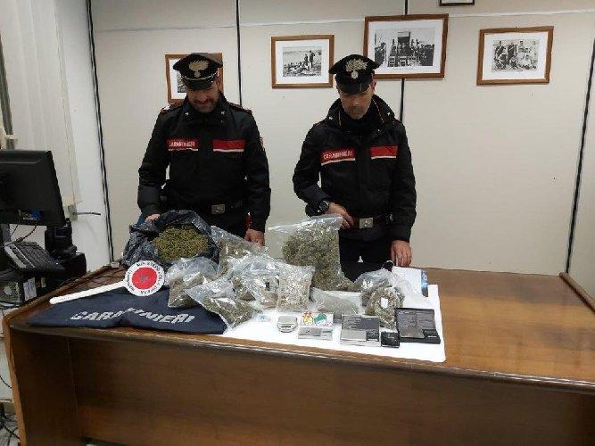https://www.ragusanews.com//immagini_articoli/30-12-2020/ispica-arrestati-in-due-con-un-chilo-di-droga-a-testa-500.jpg